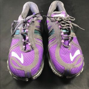 Brooks pure cadence lace up running shoes